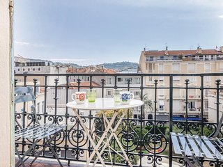 Amazing home in Cannes w/ WiFi and 2 Bedrooms