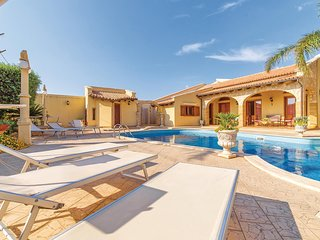 Stunning home in Mazara del Vallo -TP- w/ WiFi and 1 Bedrooms