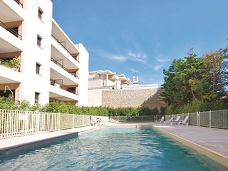 Beautiful home in Cannes w/ WiFi and 2 Bedrooms