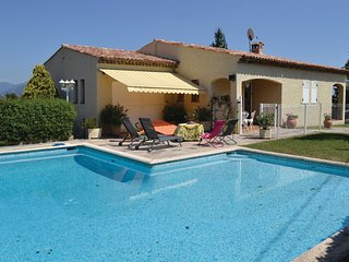 Beautiful home in Nice w/ WiFi and 4 Bedrooms
