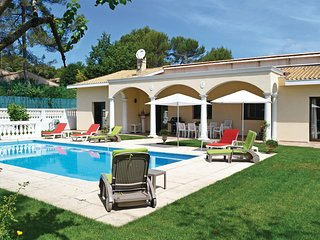 Awesome home in Roquefort les Pins w/ WiFi and 4 Bedrooms