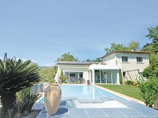 Stunning home in Biot w/ WiFi and 4 Bedrooms