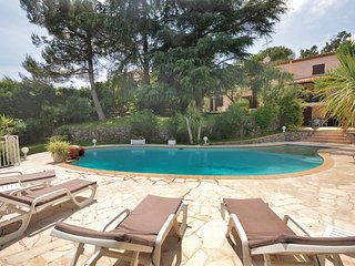 Beautiful home in Biot w/ 2 Bedrooms and WiFi (FCA706)