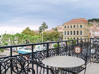 Awesome home in Cannes w/ WiFi and 2 Bedrooms