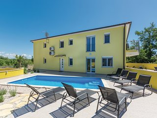 Beautiful home in Perci w/ WiFi and 4 Bedrooms