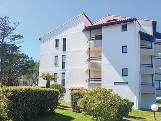 Awesome home in Anglet w/ 1 Bedrooms