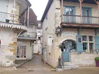Nice home in Salies de Bearn w/ 3 Bedrooms