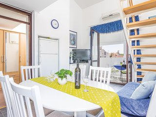 Beautiful home in Cervar Porat w/ WiFi and 2 Bedrooms (CIE824)
