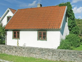 Beautiful home in Katthammarsvik w/ 2 Bedrooms