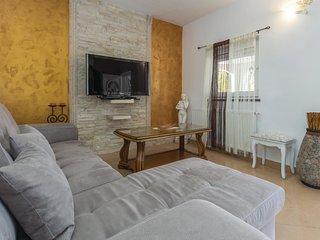 Beautiful home in Kosinozici w/ WiFi, 1 Bedrooms and Outdoor swimming pool
