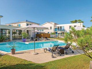 Awesome home in Saint Palais Sur Mer w/ 2 Bedrooms