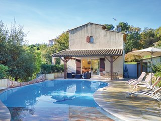 Amazing home in La Gaude w/ WiFi, 3 Bedrooms and Outdoor swimming pool