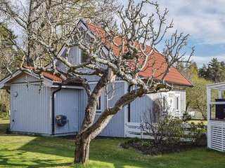 Nice home in Visby w/ WiFi and 2 Bedrooms