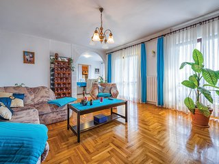 Amazing home in Fuskulin w/ WiFi and 3 Bedrooms