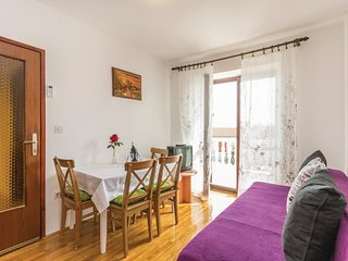 Beautiful home in Porec w/ WiFi and 2 Bedrooms