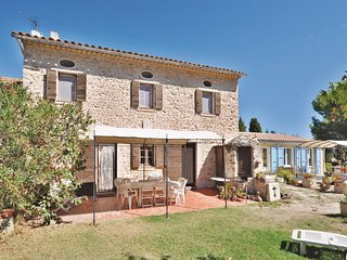 Stunning home in La Garde w/ Outdoor swimming pool and 2 Bedrooms