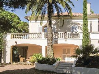 Geweldige villa met zeezicht en een exotische tuin (FCV216)