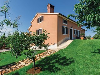 Amazing home in Tar-Vabriga w/ WiFi and 2 Bedrooms (CIE607)