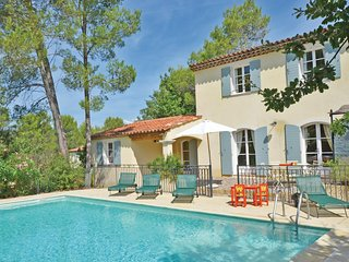 Stunning home in La Motte En Provence w/ WiFi and 4 Bedrooms