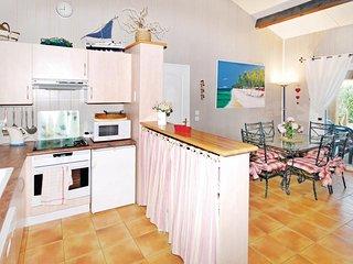 Nice home in Gassin w/ 2 Bedrooms