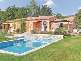 Nice home in Villecroze w/ 3 Bedrooms