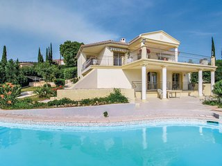 Beautiful home in Roquebrune sur Argens w/ Outdoor swimming pool and 5 Bedrooms