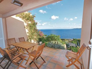 Stunning home in Ste Maxime w/ 3 Bedrooms and WiFi