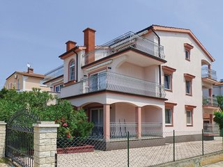 Awesome home in Porec w/ 2 Bedrooms (CIE888)