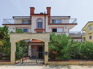 Stunning home in Porec w/ 2 Bedrooms (CIE890)