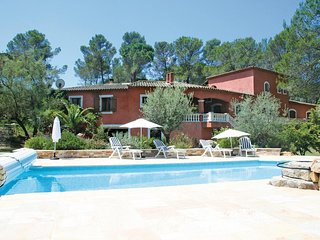 Beautiful home in Puget-sur-Argens w/ 2 Bedrooms