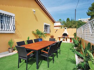 Beautiful home in Sanary sur Mer w/ WiFi and 1 Bedrooms (FCV496)
