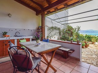 Stunning home in Macari (TP) w/ WiFi and 1 Bedrooms