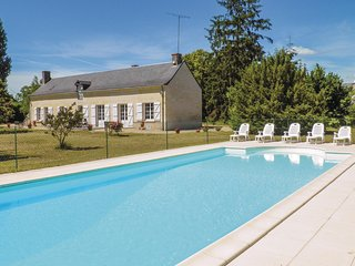 Amazing home in Bourgueil w/ WiFi and 4 Bedrooms (FEI019)