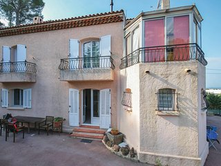 Nice home in St Raphael w/ WiFi and 2 Bedrooms