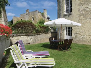 Awesome home in Chinon w/ WiFi and 2 Bedrooms (FEI012)