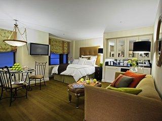 Spacious Manhattan Club Suite