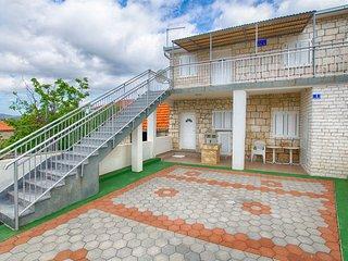 House Vinko (27132-K1)