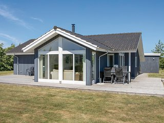 Nice home in Brovst w/ Sauna, WiFi and 3 Bedrooms