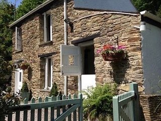 Bill's Barn, Romantic Cottage Nr Perranporth, Sleeps 2, Dog friendly, Log fire
