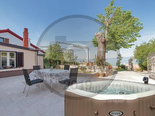 Beautiful home in Hreljin w/ Jacuzzi, WiFi and 1 Bedrooms