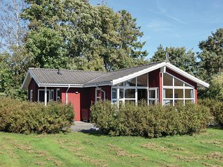 Amazing home in Humble w/ Sauna, WiFi and 3 Bedrooms (G10298)