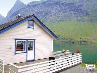 Stunning home in Norangsfjorden w/ 3 Bedrooms