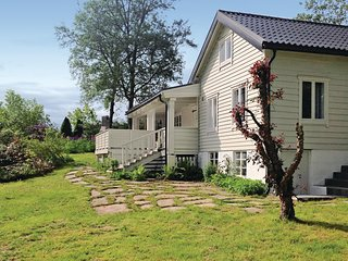 Nice home in Skodje w/ WiFi and 3 Bedrooms