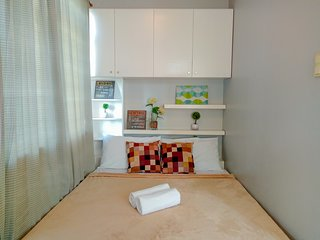 1BR next to Grand Canal