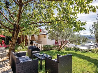 Nice home in Praputnjak w/ WiFi and 2 Bedrooms
