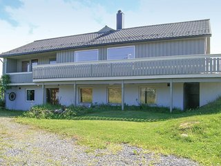 Nice home in Smøla w/ WiFi and 4 Bedrooms