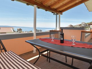 Stunning home in Dugi Rat w/ WiFi and 1 Bedrooms