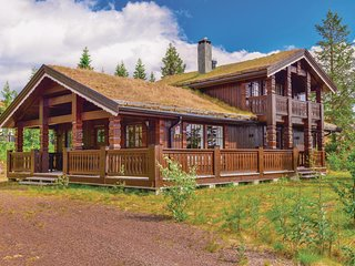 Awesome home in Trysil w/ Sauna, WiFi and 5 Bedrooms