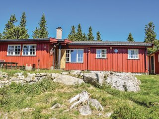 Nice home in Sjusjoen w/ 3 Bedrooms