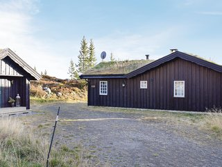 Amazing home in Sjusjøen w/ Sauna and 2 Bedrooms
